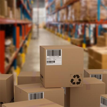 Photo montrant un inventaire en entrepôt avec du matériel code barre